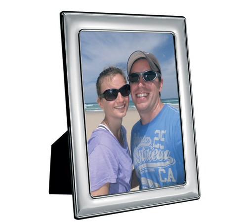 silver picture frame with 5 inch x 3.5 inch sight area