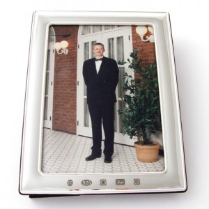 silver picture frame with large feature hallmark for 7 inch x 5 inch picture